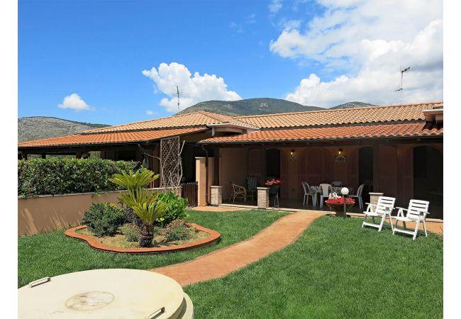 Villa a Terracina - ROSY